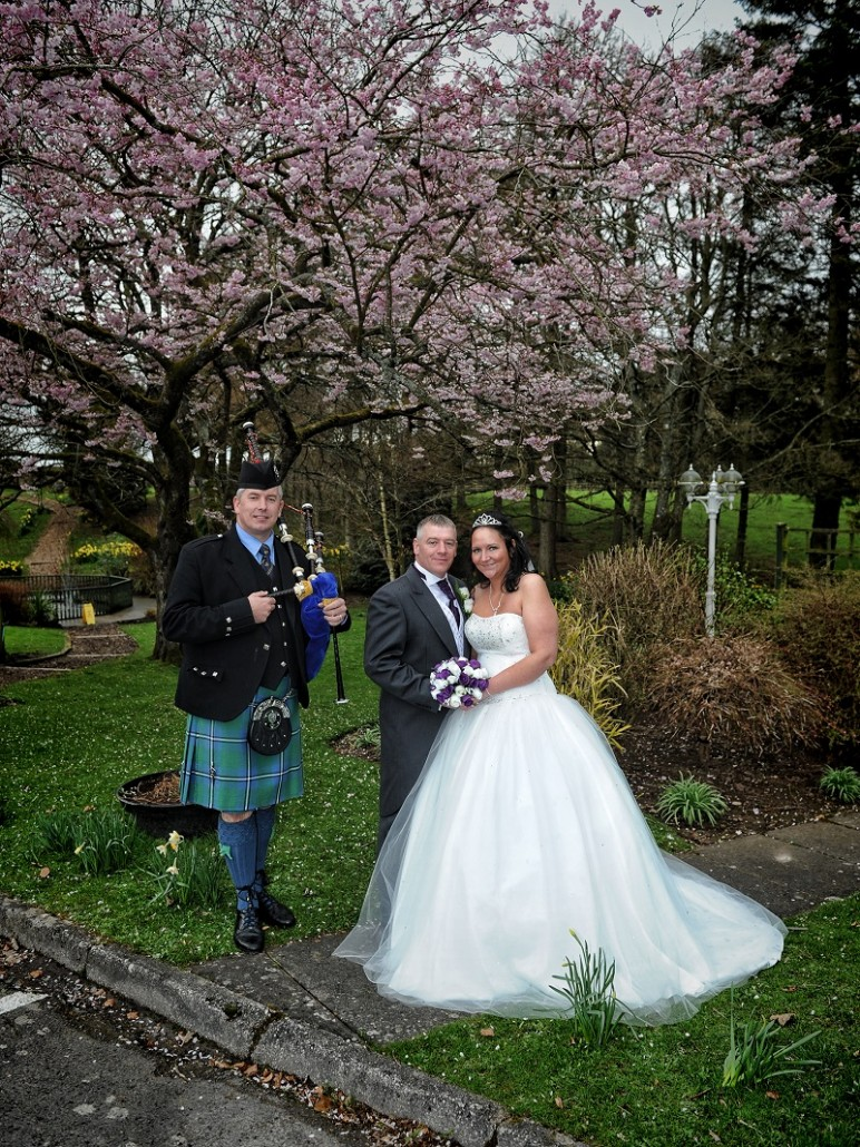 Bride-and-Groom-Piper-Gardens
